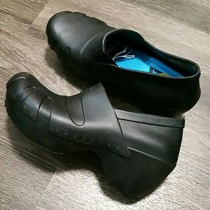 NWT Dr. Scholl's Work rubber clogs